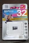 1,300円のMIcroSDカード