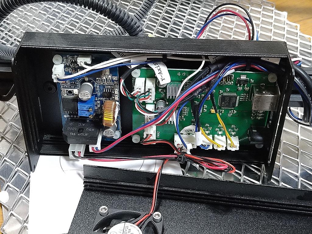 ドライバ基板とコントローラー基板